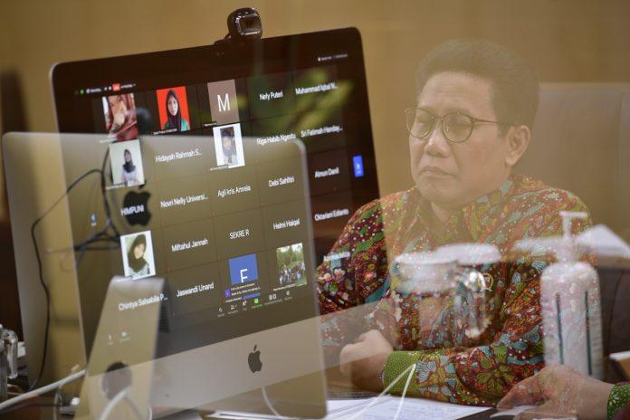 Mendes PDTT melepas KKN Mahasiswa Unand secara virtual, Rabu (24/6/2020).