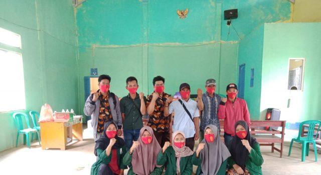 Mahasiswa KKN UIN Suka bersama para kepala dusun Pekon Sukamaju, Kecamatan Ulubelu, Tanggamus.
